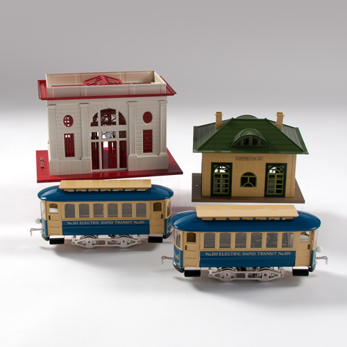 Lionel Classics Train Stations and Trolley Cars, Lot of Four