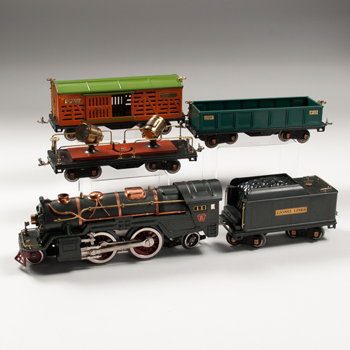 Lionel Pre-War Locomotive and Cars, Lot of Four