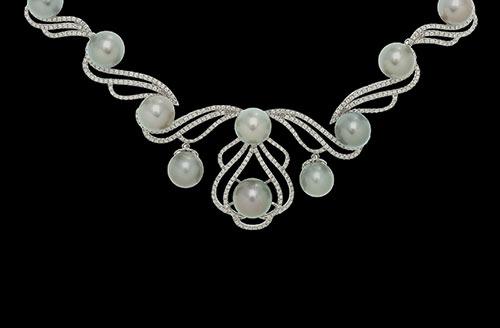 Diamond Necklace in 18 Karat Yellow Gold